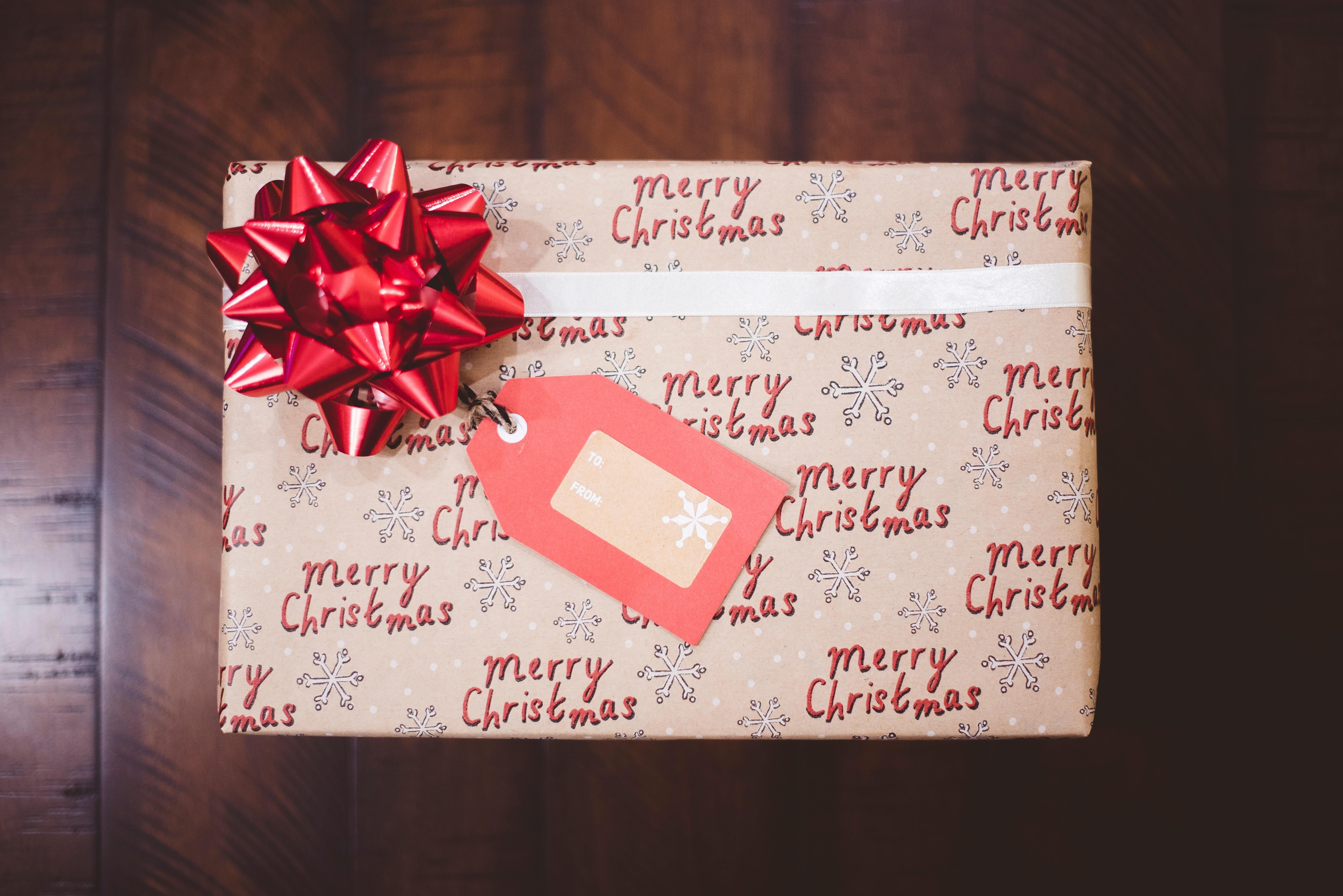 6 idee per non regalare oggetti inutili a Natale
